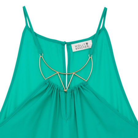 Sleeveless top with necklace