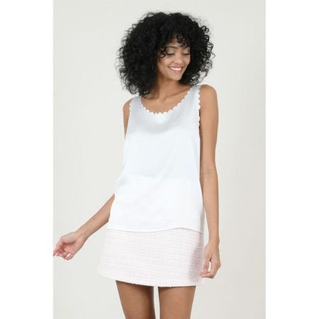 Scalloped tank top in white